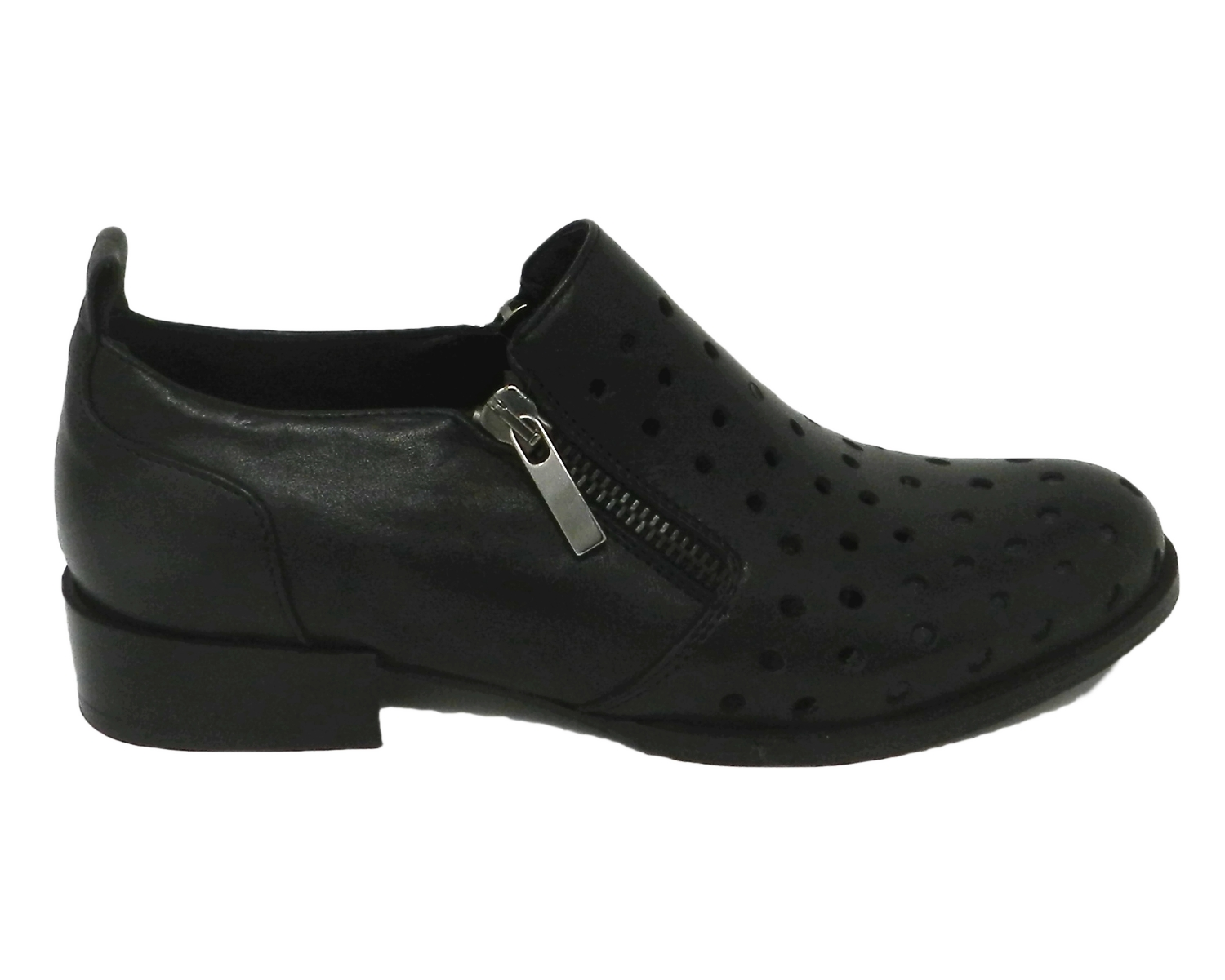 Francesina woman with the skin with a perforated closure at the sides - black
